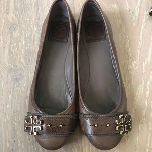Tory Burch Tan Leather Flats sz7